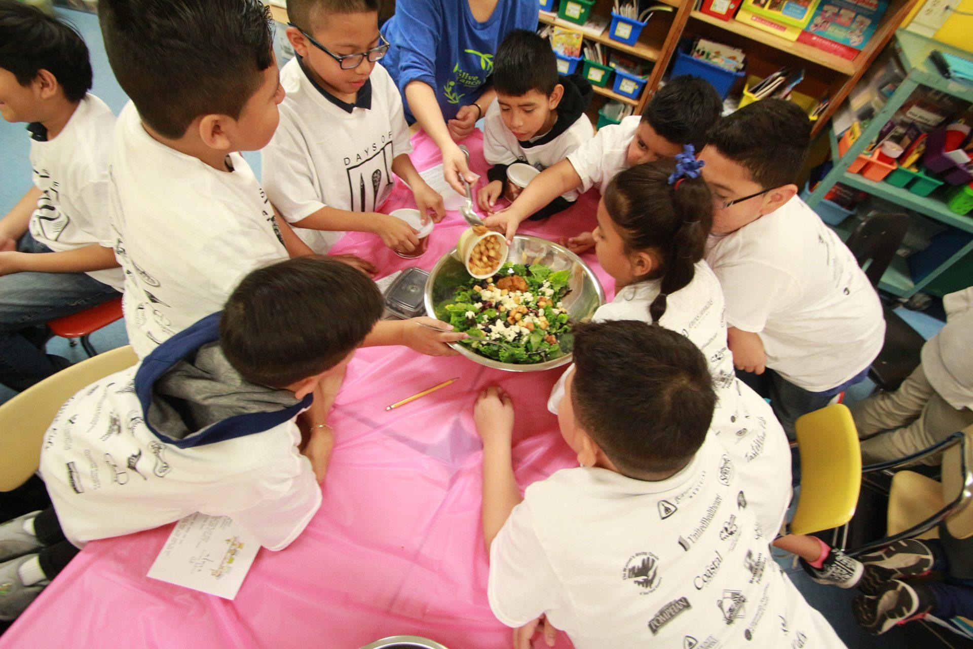 Days-of-Taste-2018-Making-Salad
