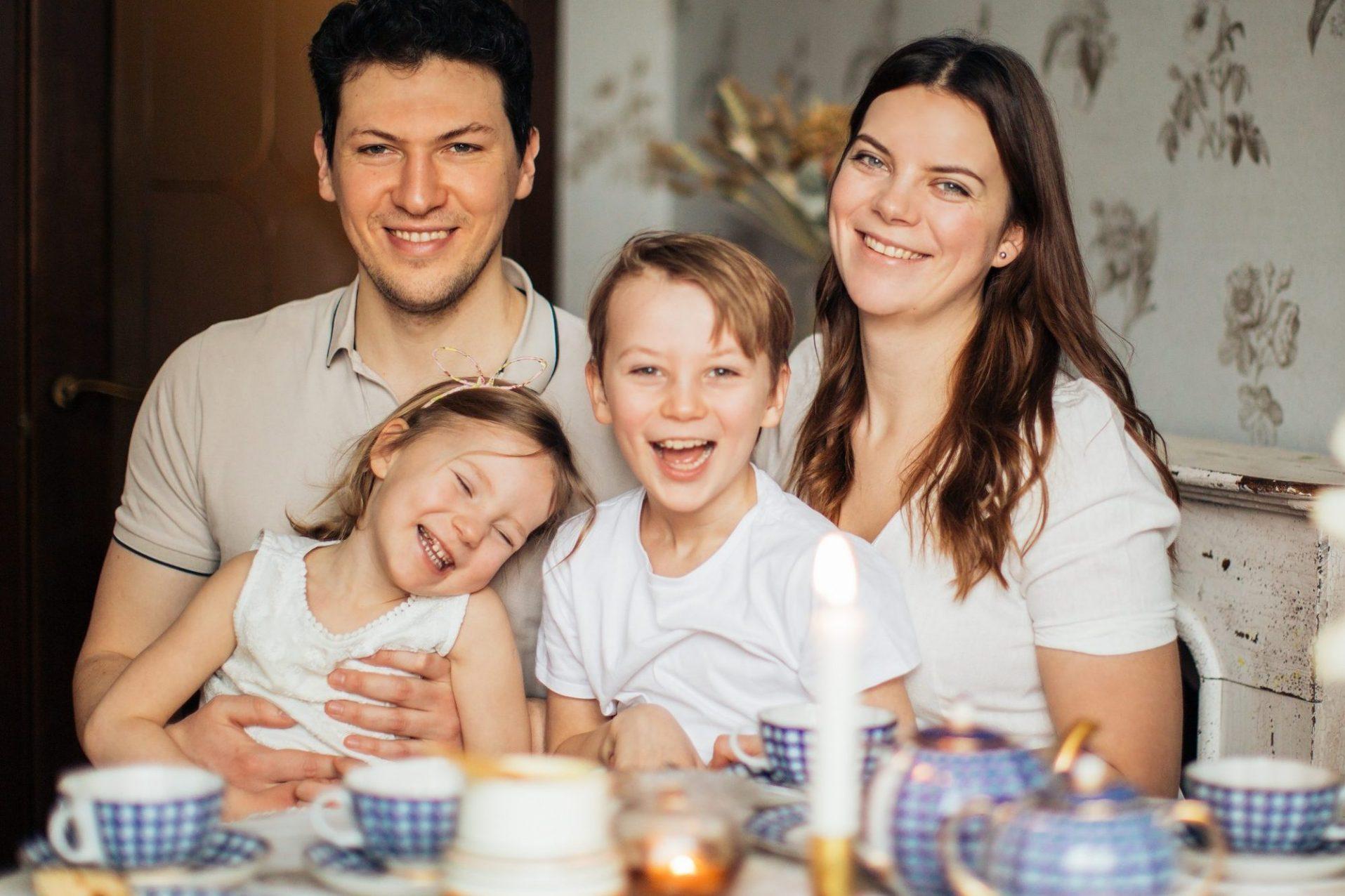 happy-family-having-tea-in-morning-time-3807572